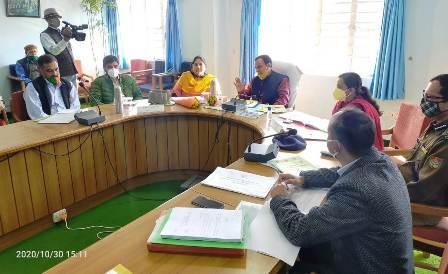 प्रभारी मंत्री डॉ. धन सिंह रावत ने दिए अखोडी मूल गढ़ रिंग रोड एवं धनोल्टी के मोटर मार्ग की जांच के निर्देश