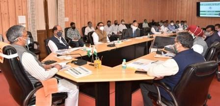 मुख्यमंत्री ने कैबिनेट मंत्री सुबोध उनियाल के साथ कृषि, उद्यान, रेशम विकास विभागों की समीक्षा की