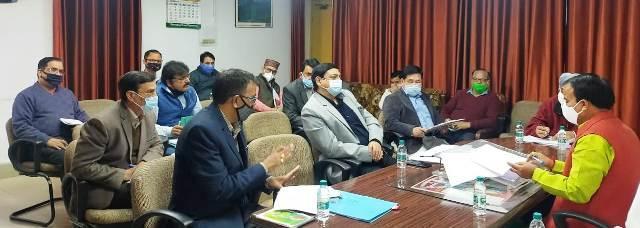भरसार विश्वविद्यालय में वर्षों से अधूरे पड़े निर्माण कार्यों पर उच्च शिक्षा मंत्री ने जताई नाराजगी