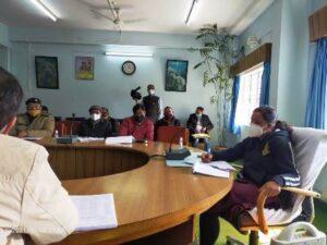 चारधाम यात्रा की तैयारियों को लेकर डीएम इवा श्रीवास्तव ने सड़क निर्माण से जुड़े अधिकारियों को दिए निर्देश