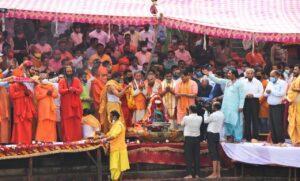 कुंभ 2021: मुख्यमंत्री ने श्री गंगा सभा की ओर से आयोजित गंगा पूजन में की पूजा-अर्चना