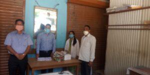 कोविड-19 के दृष्तिगत कंडीसौड़ बाजार में सैंपलिंग का कार्य करते हुए स्वास्थ्य विभाग की टीम