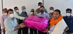 संयुक्त निदेशक श्री राजेश कुमार की सेवानिवृत्ति पर सूचना विभाग मुख्यालय में अधिकारियों व कर्मचारियों ने दी भावोन्मत विदाई