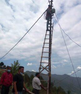 एक केंद्र में विद्युत आपूर्ति ठीक ना होने के कारण पालिका के लाइटमैन द्वारा उसे भी दुरुस्त कर लिया गया है।