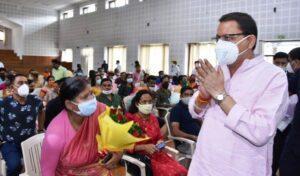 मुख्यमंत्री श्री पुष्कर सिंह धामी ने जनता दर्शन हॉल में जन समस्याओं को सुना