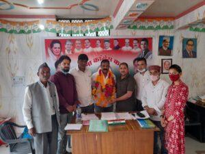 आईटी प्रभारी जितेंद्र मारू का जिला कांग्रेस कमेटी टिहरी में कार्यकर्ताओं ने फूल मालाओं के साथ स्वागत