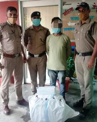 अवैध शराब का परिवहन करते एक व्यक्ति को कीर्तिनगर पुलिस ने किया गिरफ्तार