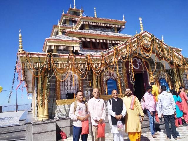 पर्यटक स्थल का रूप लेता तीर्थस्थल सिद्ध शक्तिपीठ मां सुरकंडा देवी का मंदिर